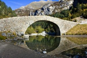 The roman bridge of San Nicolas in the valley of Bujaruelo on one of our relaxation and meditation holidays
