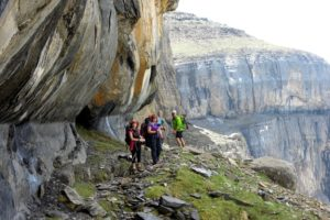 Guided walk on the faja de flores Ordesa on tailor made activity holidays spain