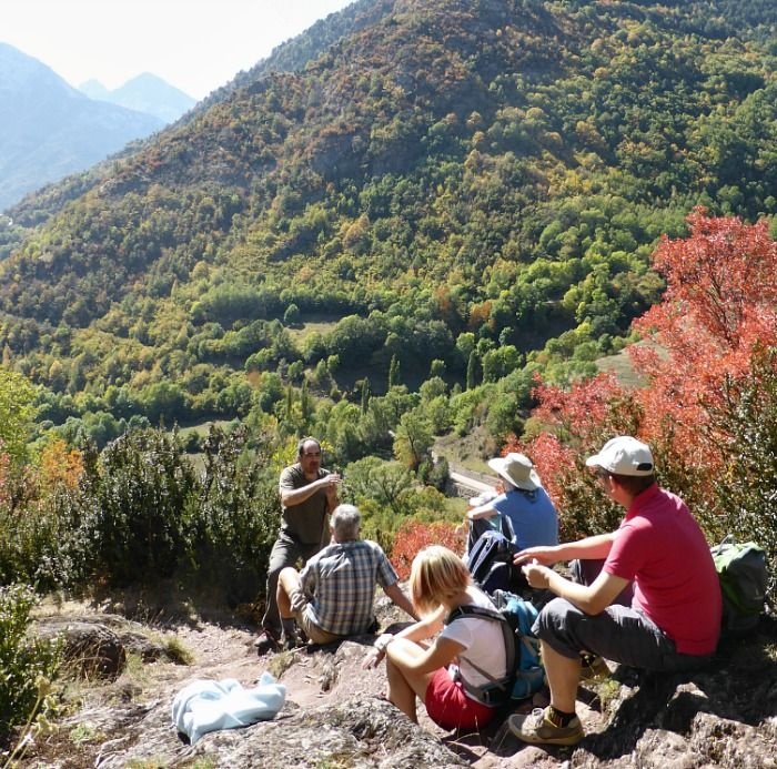 A Spanish class outside in the Pyrenees on the Learn Spanish Holiday with Aragon Active