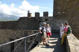 A tour of Ainsa in the Pyrenees in Spanish on the Aragon Active Learn Spanish Holiday