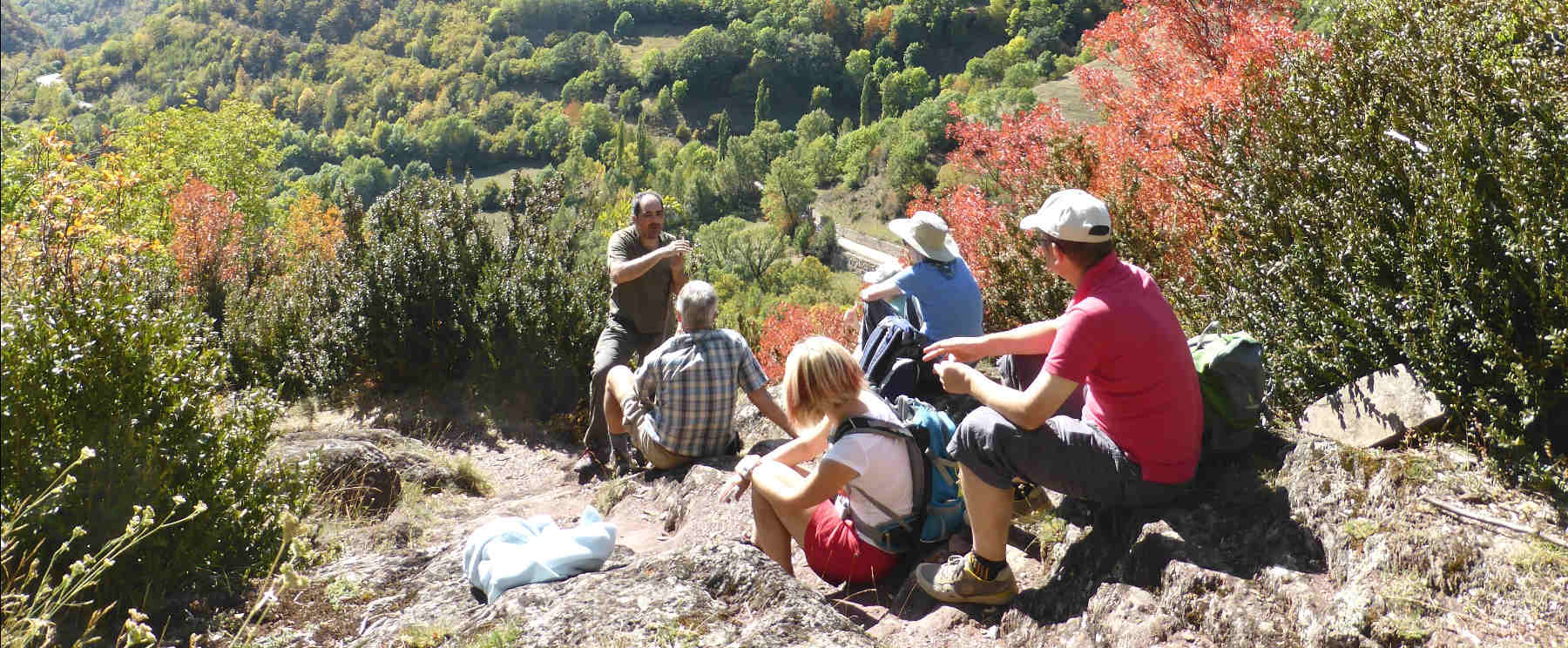 A Spanish class outside with teacher Roberto on Aragon Active Learn Spanish Holiday